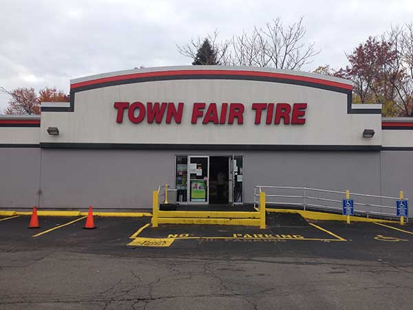 Town Fair Tire logo